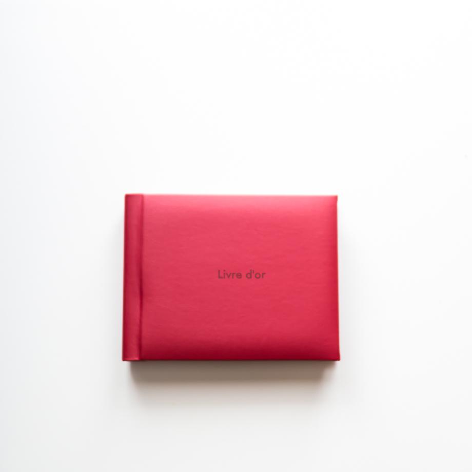 Le livre d'or couverture en cuir