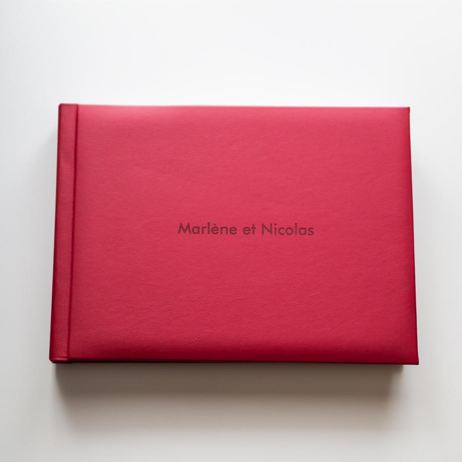 Le livre des mariés couverture en cuir